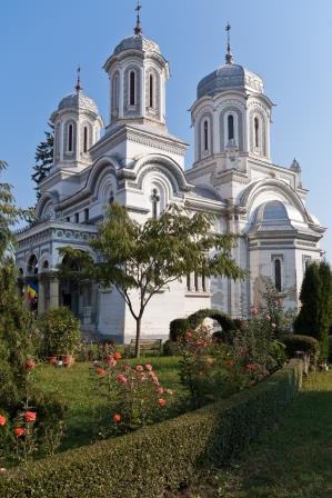 Biserica_-Sf._Vineri-